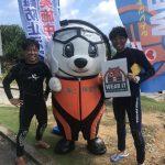 真栄田岬でゲストさんとセルフダイビング。