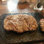 沖縄で飲んだ後のシメの定番はやっぱりステーキ